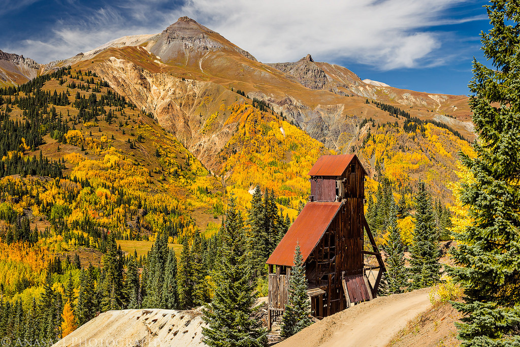 Red Mountain Colors